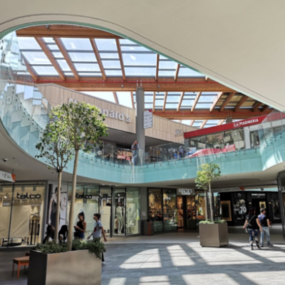 Centro commerciale Aura - square